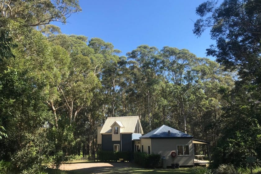 relaxed accommodation Berry NSW Hideaway setting