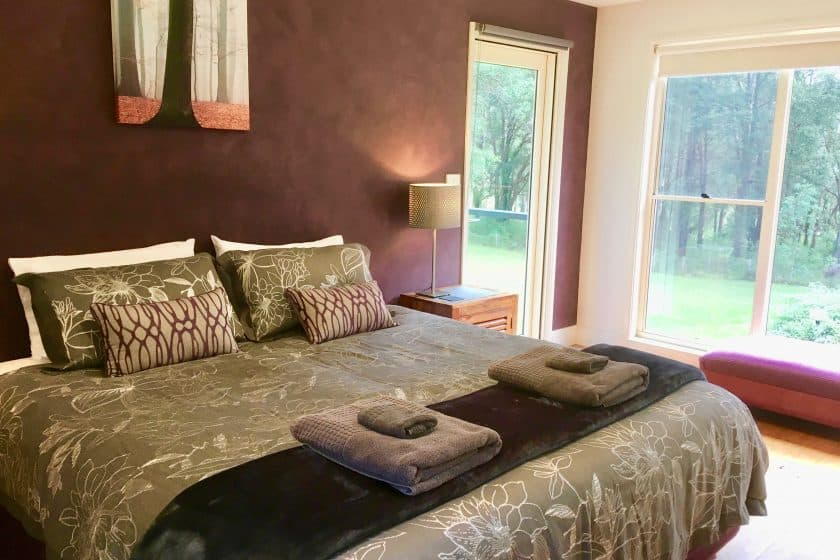 Executive Accommodation Berry NSW Hideaway lower bedroom