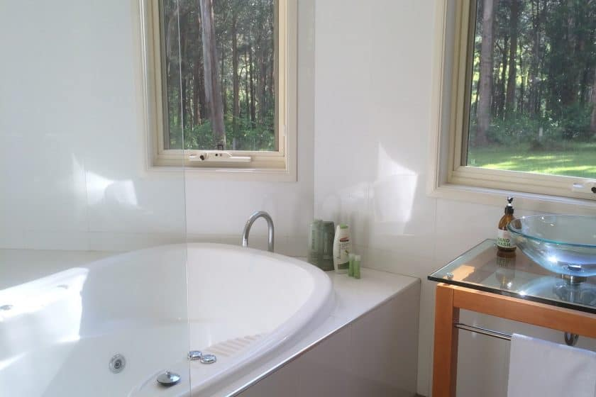 Executive Accommodation Berry NSW Hideaway bathroom